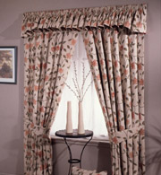 traditional kitchen curtain